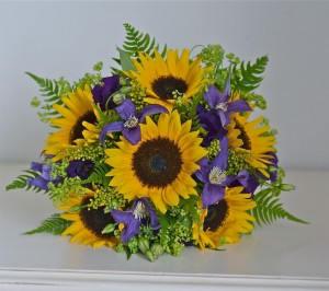 yellow-purple-bouquet-sunflowers-country-style