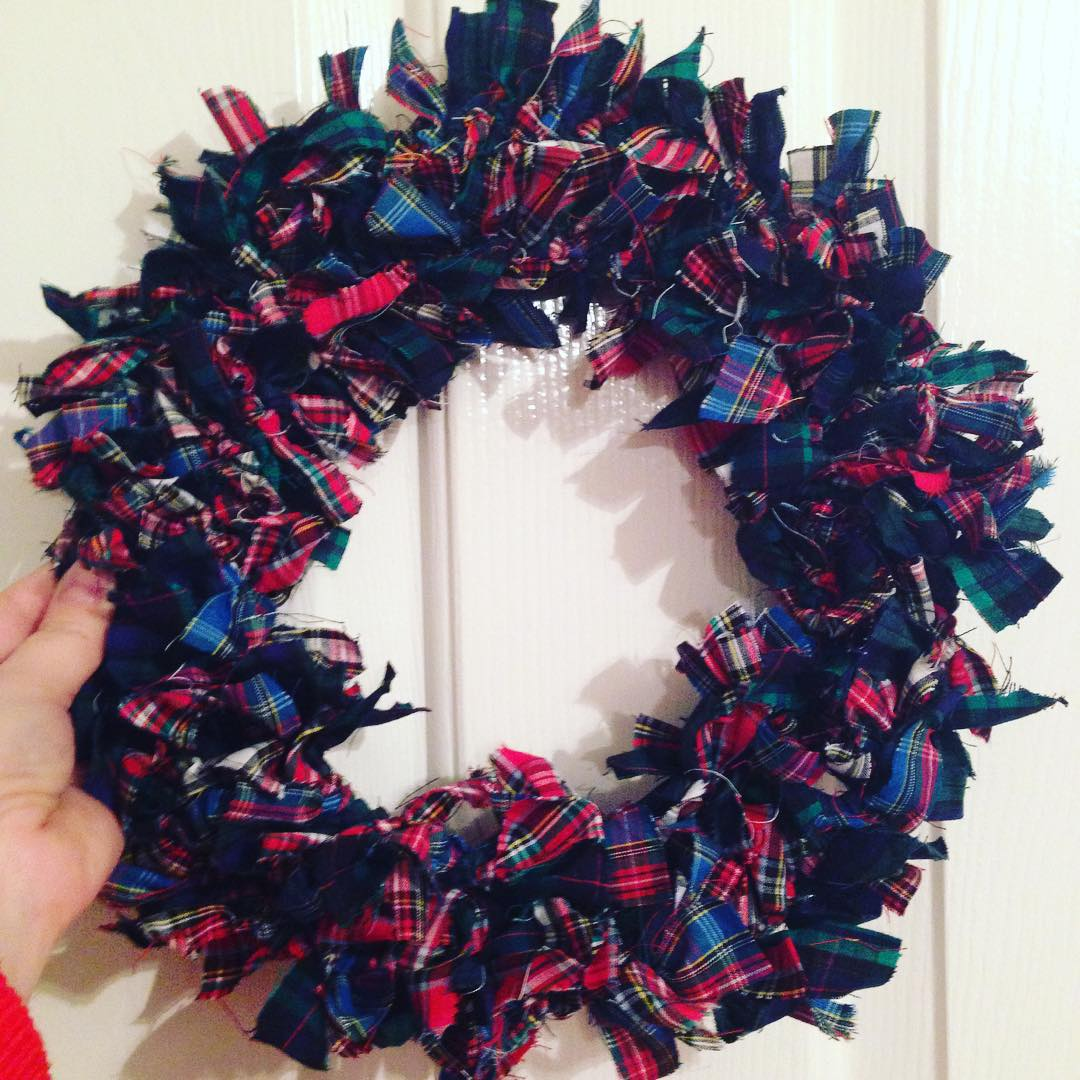 How To Make A Christmas Rag Wreath For Under 5