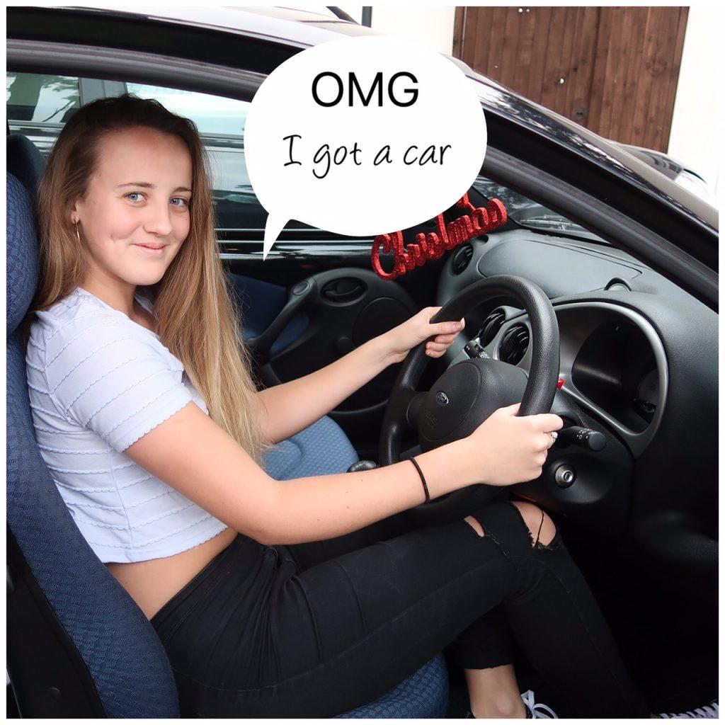 chloe-car